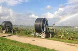 Namakanje kmetijskih površin z mobilnimi sistemi